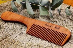 فایده استفاده از شانه چوبی